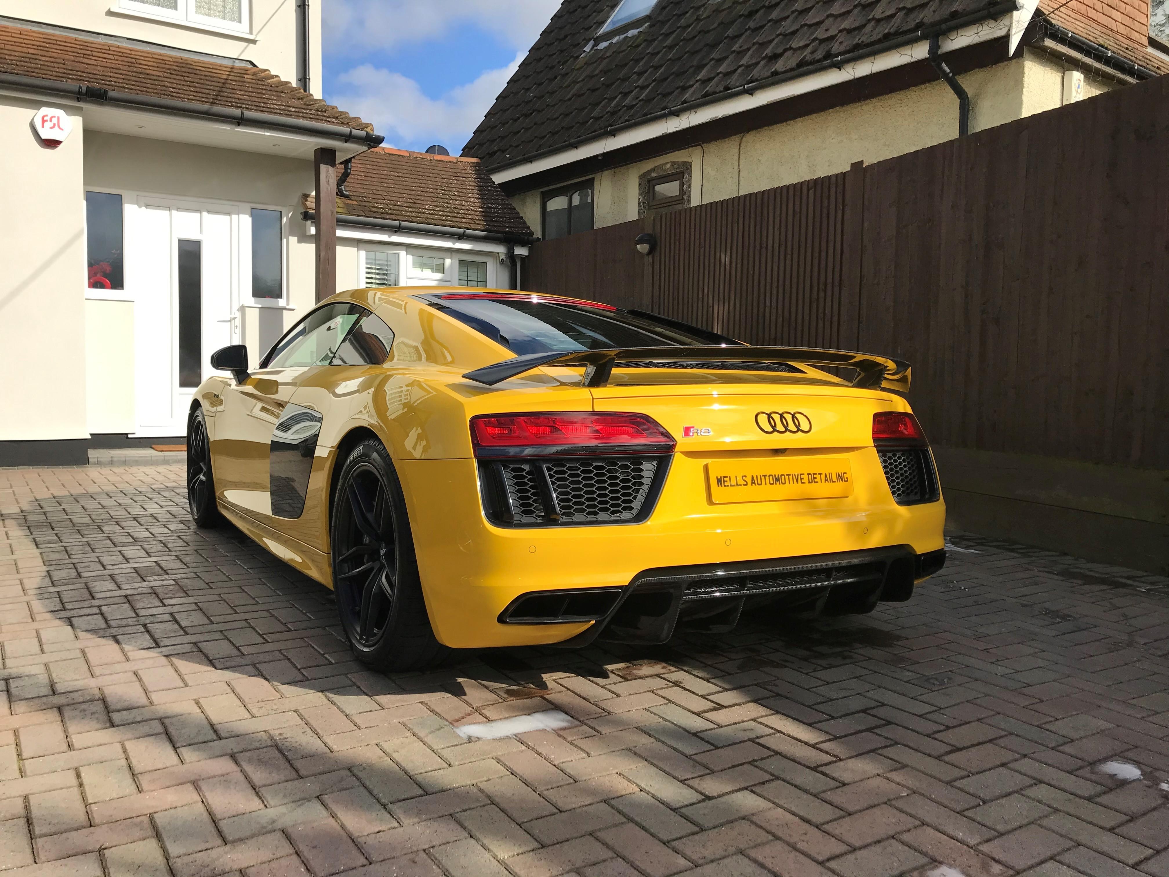 Yellow R8