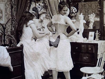 corsets-19th-century-dressing.0.0[1].jpg
