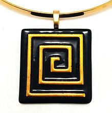 Necklace - Gold Key.jpg