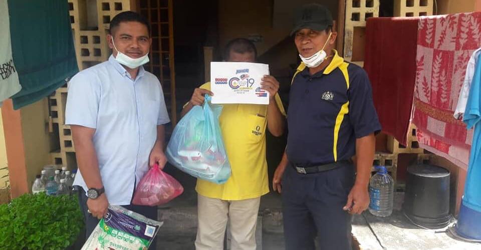 NGO CVC19 Johor beri bantuan kepada 3,000 keluarga