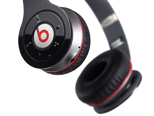 Beats WIRELESS OVER THE EAR HEADPHONES