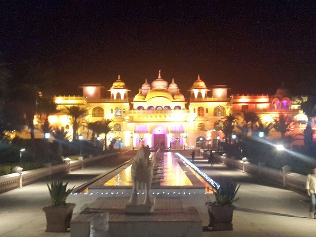 resorts for weddings with lawn