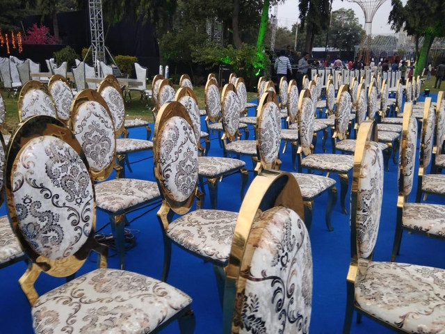wedding day chair and seating