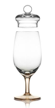 sklenice a whisky, whiskey, rum