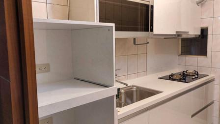 簡單潔白一字型廚房