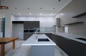 中島L型大廚房