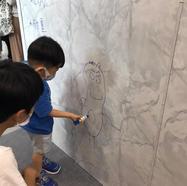 牆壁讓小孩隨意塗鴉不用怕,好清潔好整潔