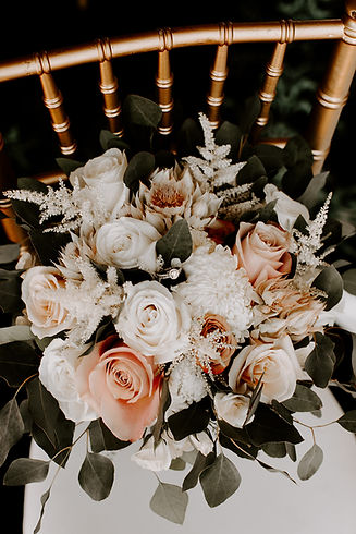 Bridal bouquet  photo credit: @RobynDawnPhotos