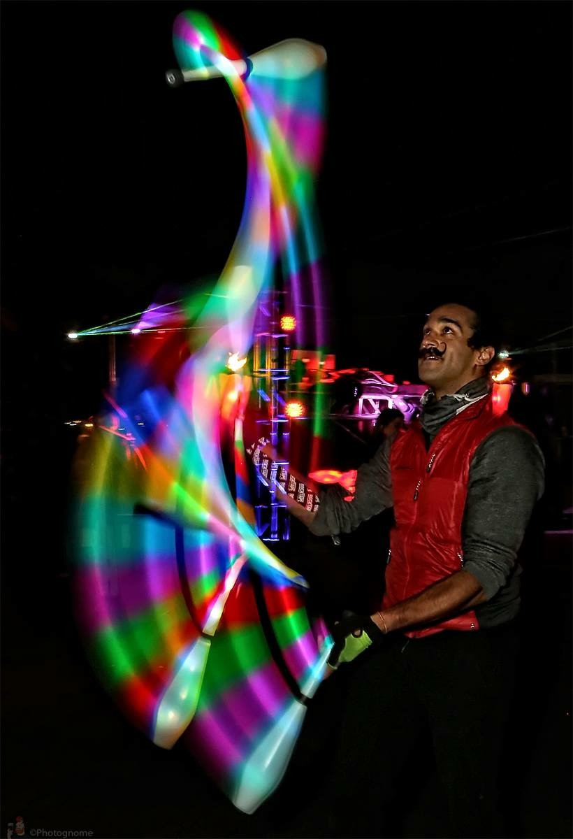 outdoor_night_led_juggling_clubs.JPG