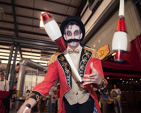 ringmaster_circus_juggling_indoor_clubs.