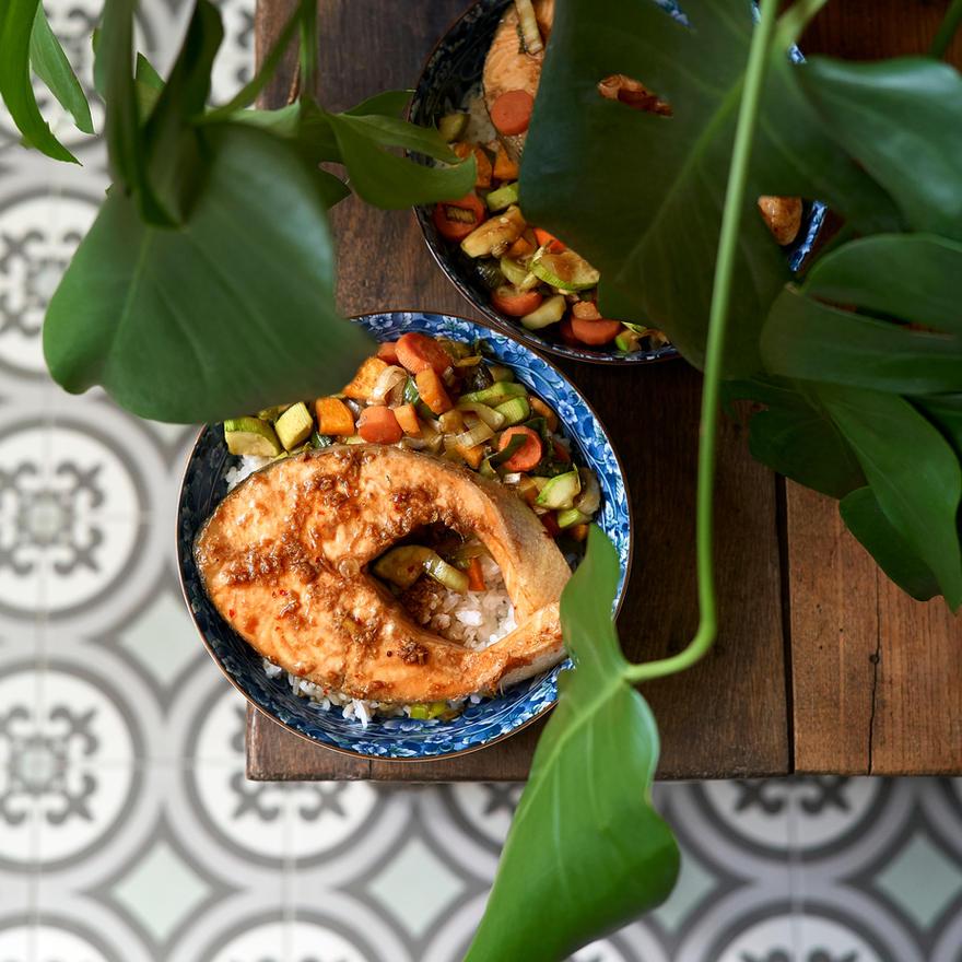Darne de saumon et petits légumes