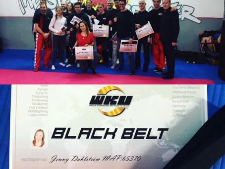 Schwarzgurtprüfung im Kickboxen
