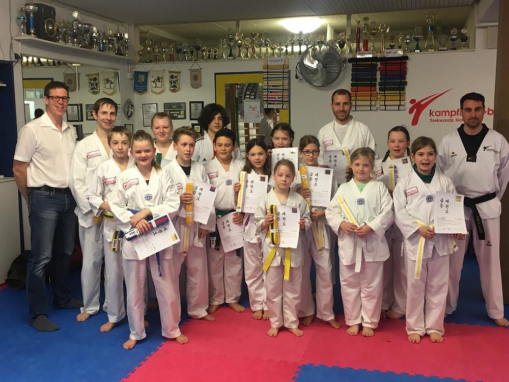 Taekwondo Schule Olymp Gürtelprüfung
