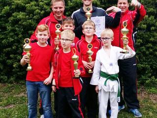 Alle Rastatter Taekwondo Kämpfer auf dem Treppchen
