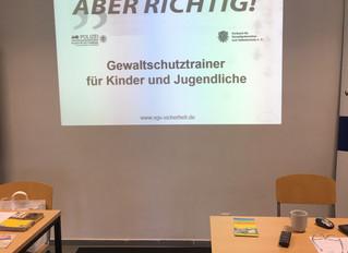 Stefan Huber absolviert die Ausbildung zum Gewaltschutztrainer