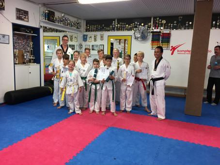 Erfolgreiche Taekwondo Gürtelprüfung