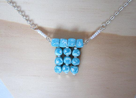 Collier en assemblage de perles