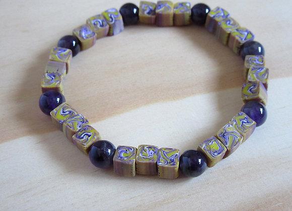 Bracelet avec perles violettes