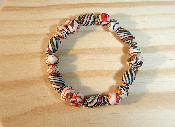 Bracelet avec perles diverses