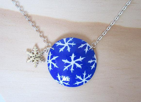 Collier avec médaillon flocon de neige