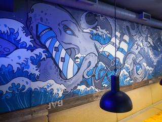 Роспись стены в баре