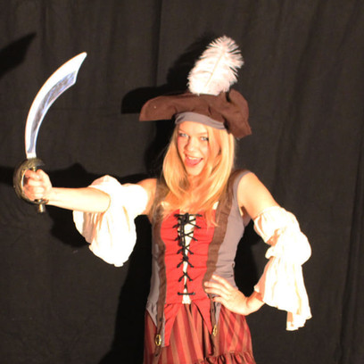 Piratfrau dunkelrot