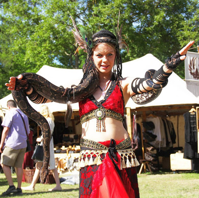 Mittelaltertanz mit Schlangen