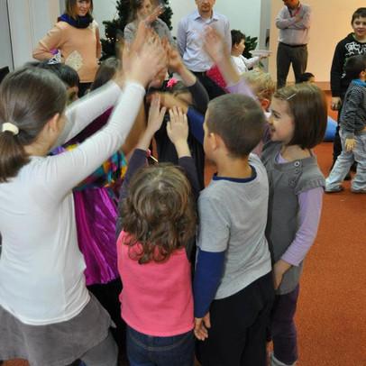 Spiel & Spaß mit den Kindern auf die Weihnactsfeier