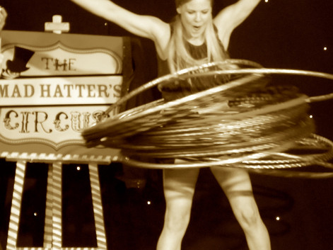The Mad Hatters Circus- GROUND SHOWDu So