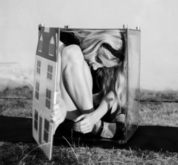 Alice in dolls house.jpg