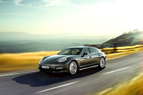 Bordeaux: PORSCHE PANAMERA TURBO