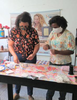 Musiva forma grupo produtivo com artesãs de projetos sociais para confecção de máscaras de tecido