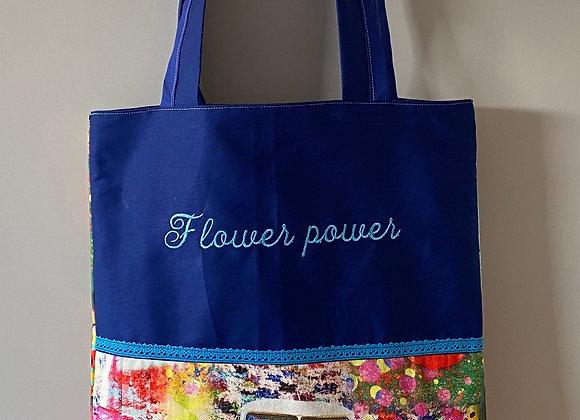 Tasche mit Stickerei Flower power