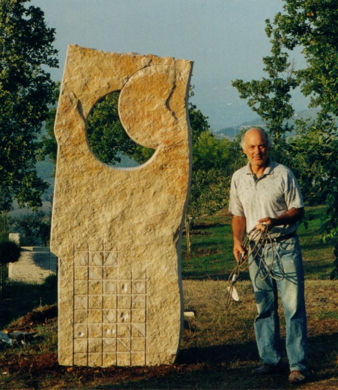 Eclissi di sole, 1999, pietra, 230cm