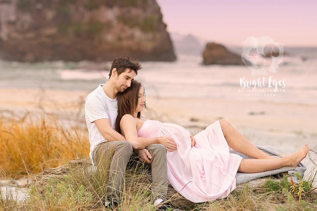 maternity-couple-beach.jpg