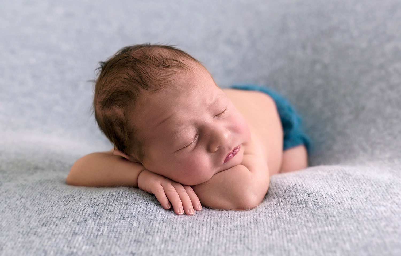 posed-newborn-5.jpg