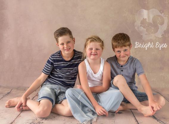 family-siblings.jpg