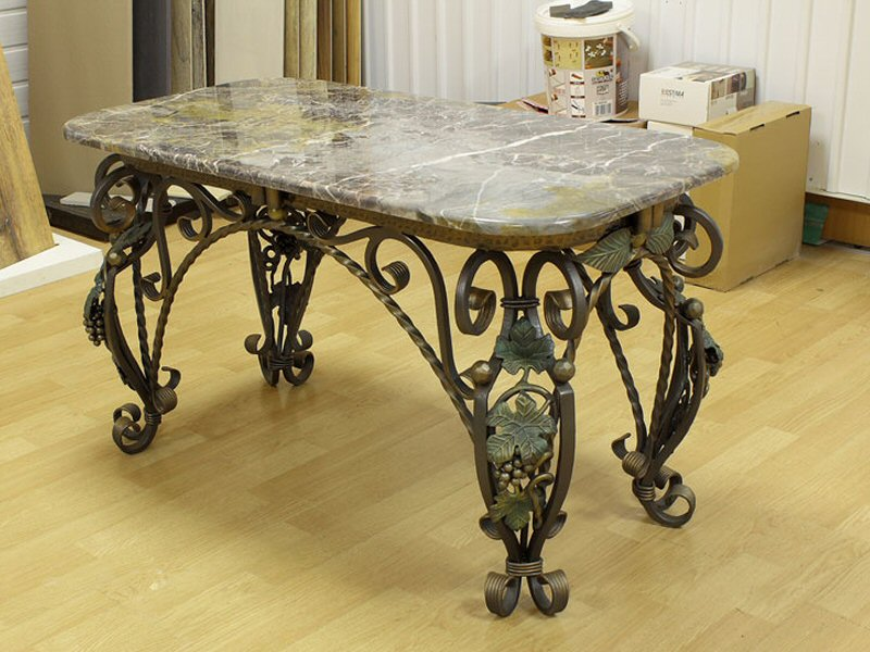 Кованый стол М2