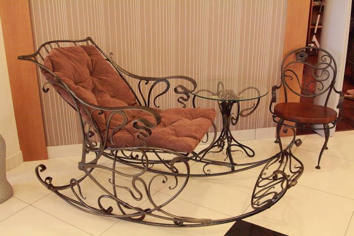 Кованая кресло-качалка М49
