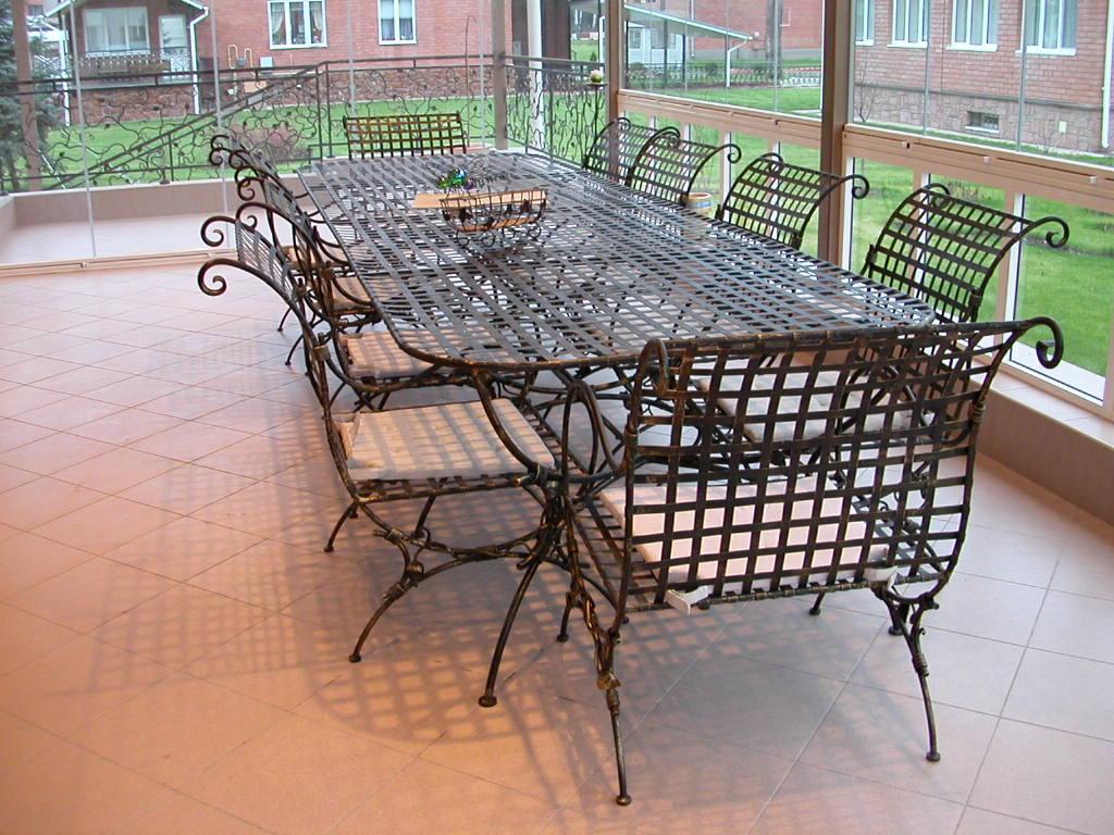Стол со стульями (худ. ковка) М67