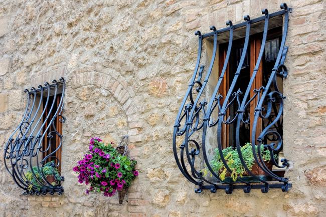 Кованые решетки на окна