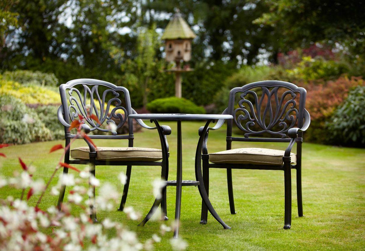 Стол со стульями (худ. ковка) М72