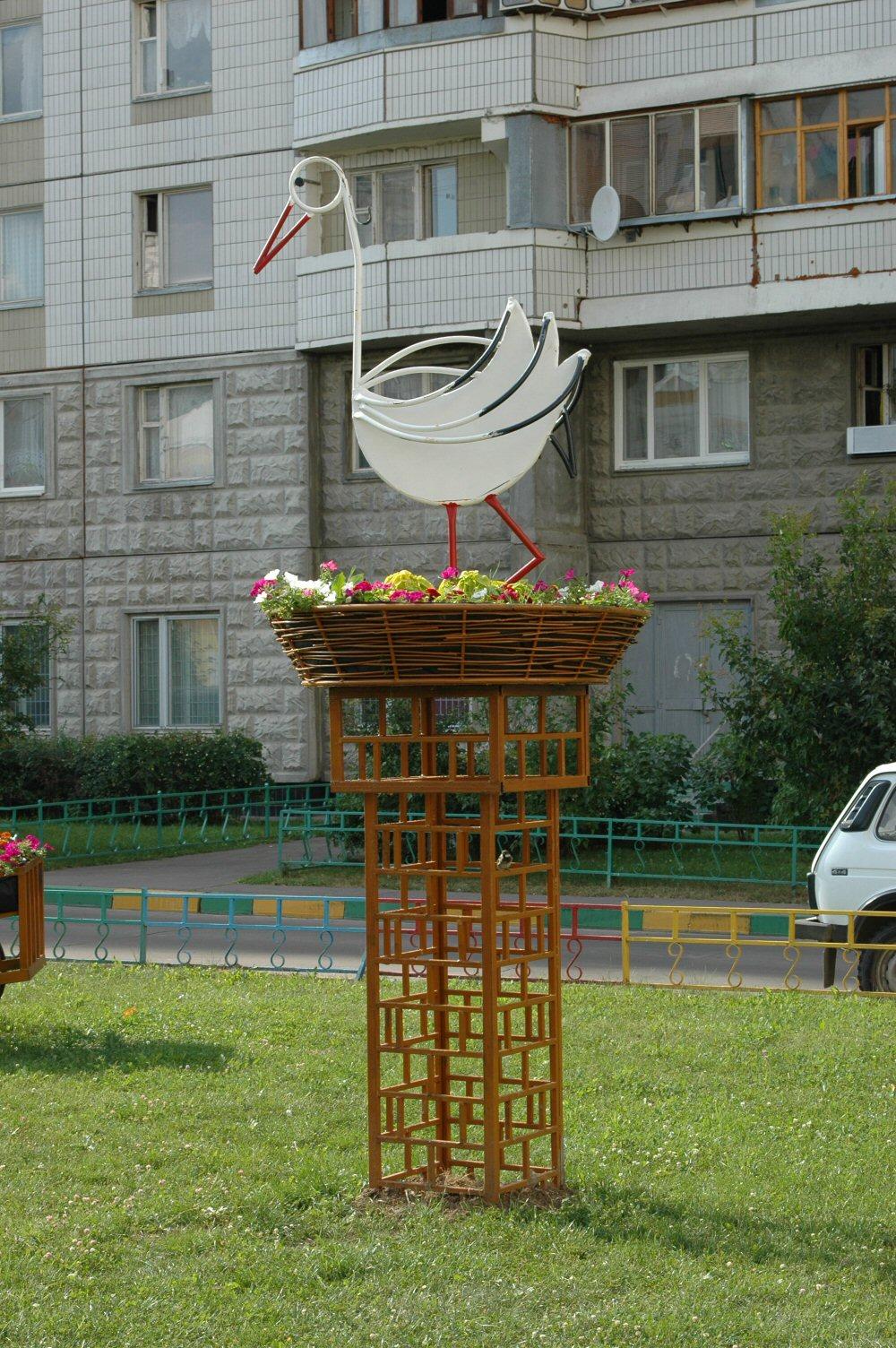 sadovaya-podstavka-dlya-cvetov-4