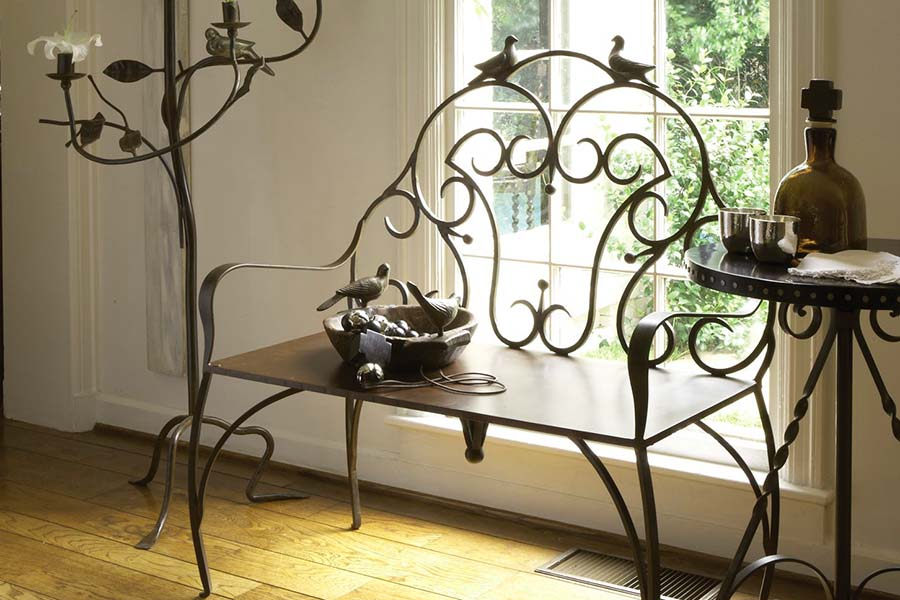 Кованая лавка и столик М80