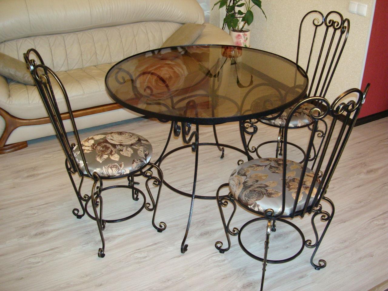 Стол со стульями (худ. ковка) М68