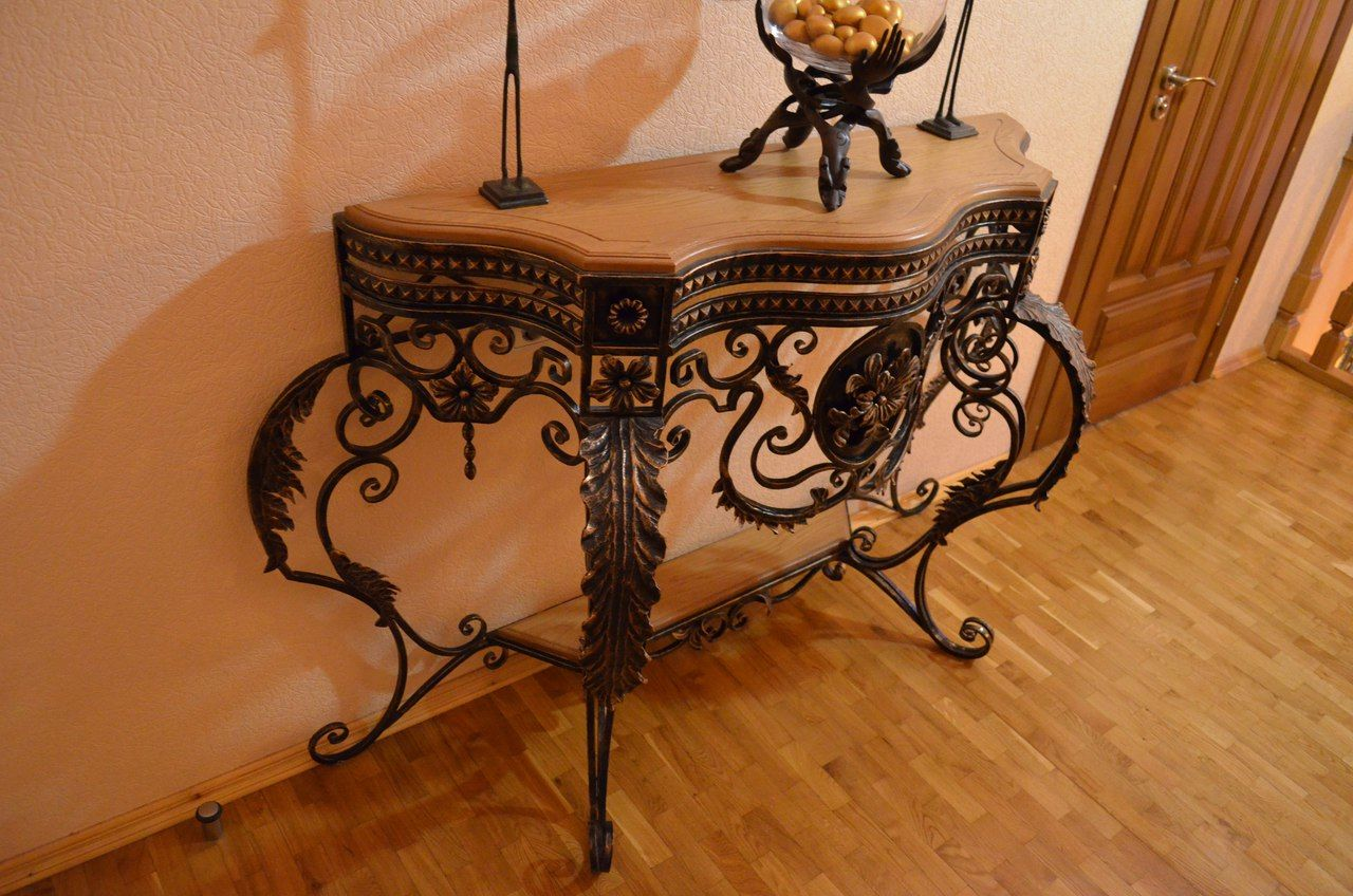 Кованый столик М17