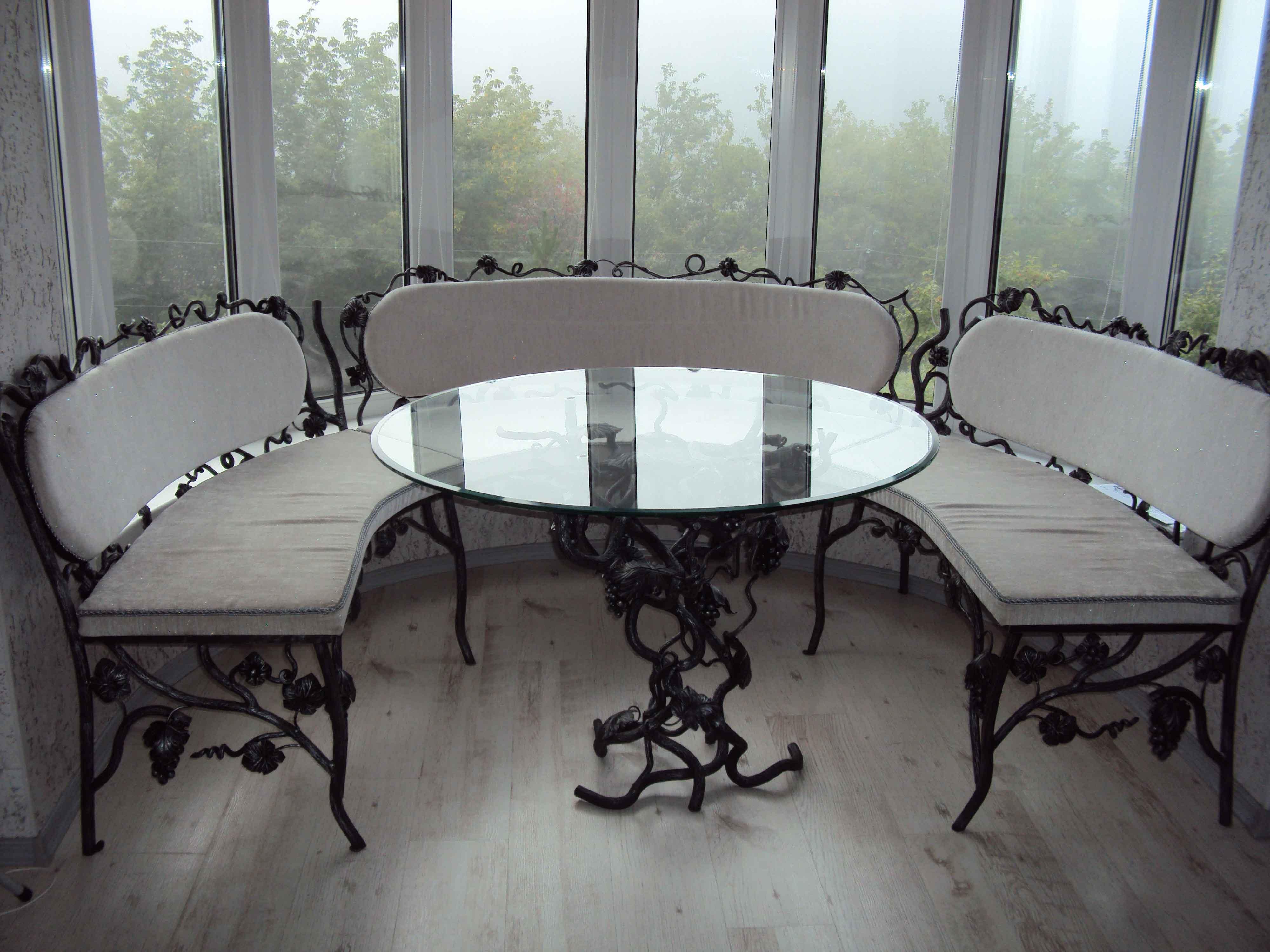 Кованый стол с лавками М21