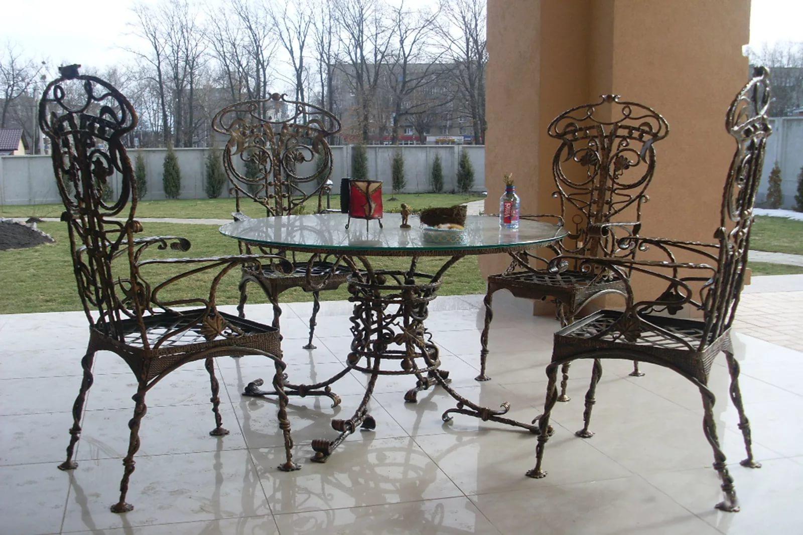 Кованый стол со стульями М23