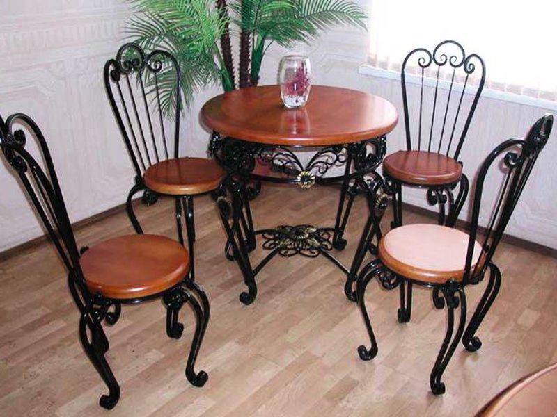 Стол со стульями (худ. ковка) М61