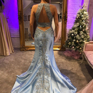 t blue dress pic.JPG